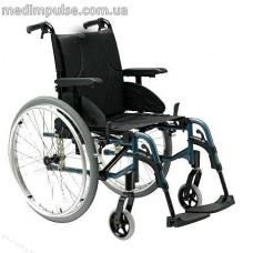 Облегченная инвалидная коляска Invacare Action 3 NG Plus